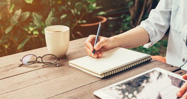 Lee más sobre el artículo Cómo escribir una carta campeona para tus clientes
